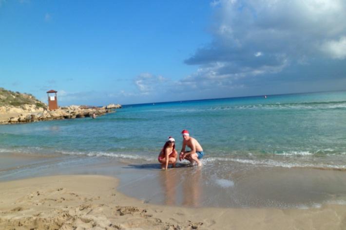 Ciprus - strandoló mikulások