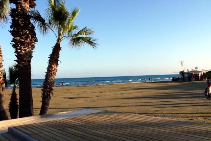 Ciprus - Sétány Larnacában