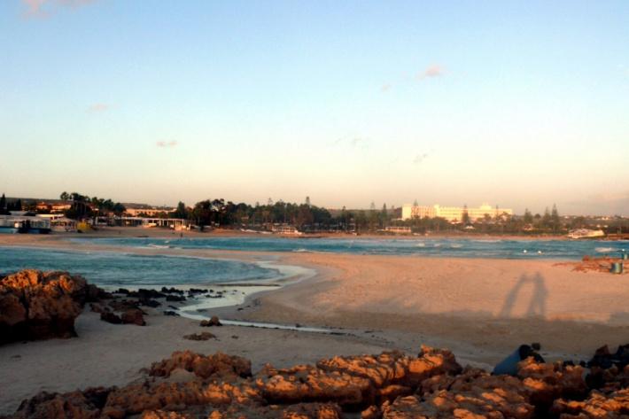 Ciprus - Ayia Napa híres strandja, a Nissi Bay