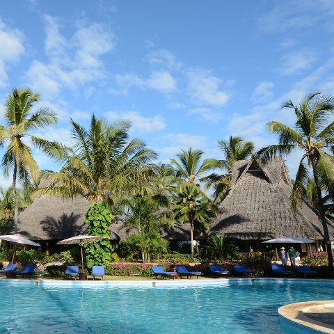 Zanzibár - Breezes Beach Club ***** - Bwejuu Beach